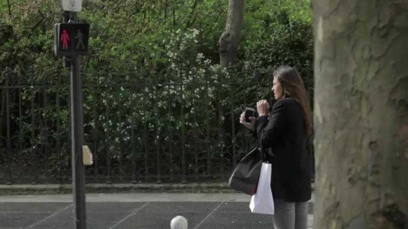 V oblasti Paříže instalovali na některých přechodech pro chodce zajímavé