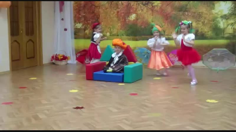 Сказка Чиполлино Лёня в роли синьора помидора