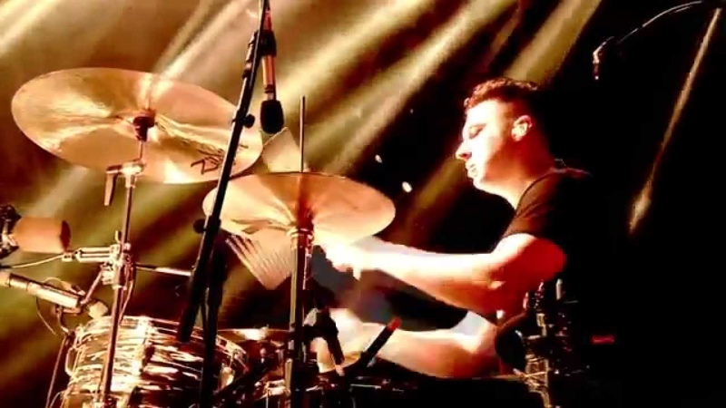 Arctic Monkeys - Do me a favour Glastonbury 2013 HD