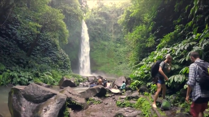 Kygo ft. ZAYN - Our Love Is Over (Official Music Video) (vk.com/vidchelny)