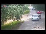 Баба - дура. Главное - красиво поругаться с мужем, а то, что при въезде в Пекинский зоопарк предупредили не выходить из машины —