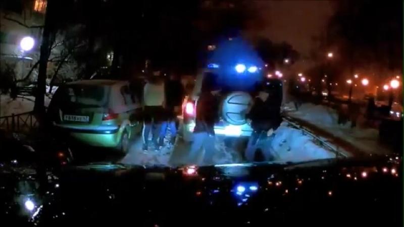 Малмыгин Вячеслав Дацик с нарядом полиции пытаются проникнуть в бордель
