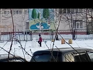 18. Пострадала семья снеговика. Слабонервным не смотреть.