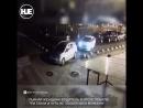 В Питере долго парковалась девушка Успела разбить три машины