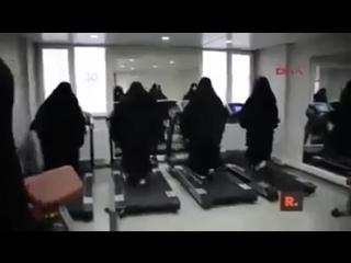 Yeni Türkiyede bir fitness salonu...Al... - Al Sana Yeni Türkiye