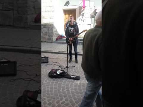 Михайло Роса (RockOns) — Спи Собі Сама (Скрябін cover) (street, live)