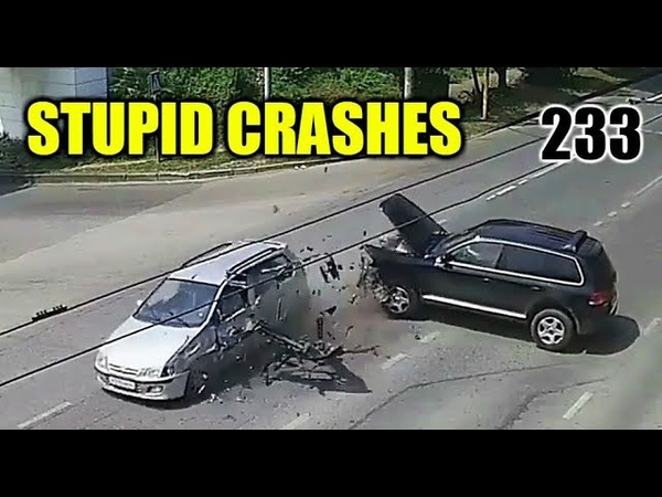Stupid driving mistakes 233 (July 2018 English subtitles)