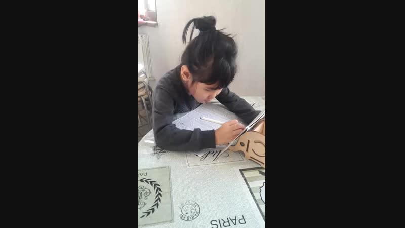 Аружанке 6 лет Малике 3 годика