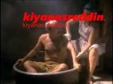 Türk filminde Füsun Demirel'in frikik vererek Şener Şen'i yıkaması - erotik bath scene in turk movie