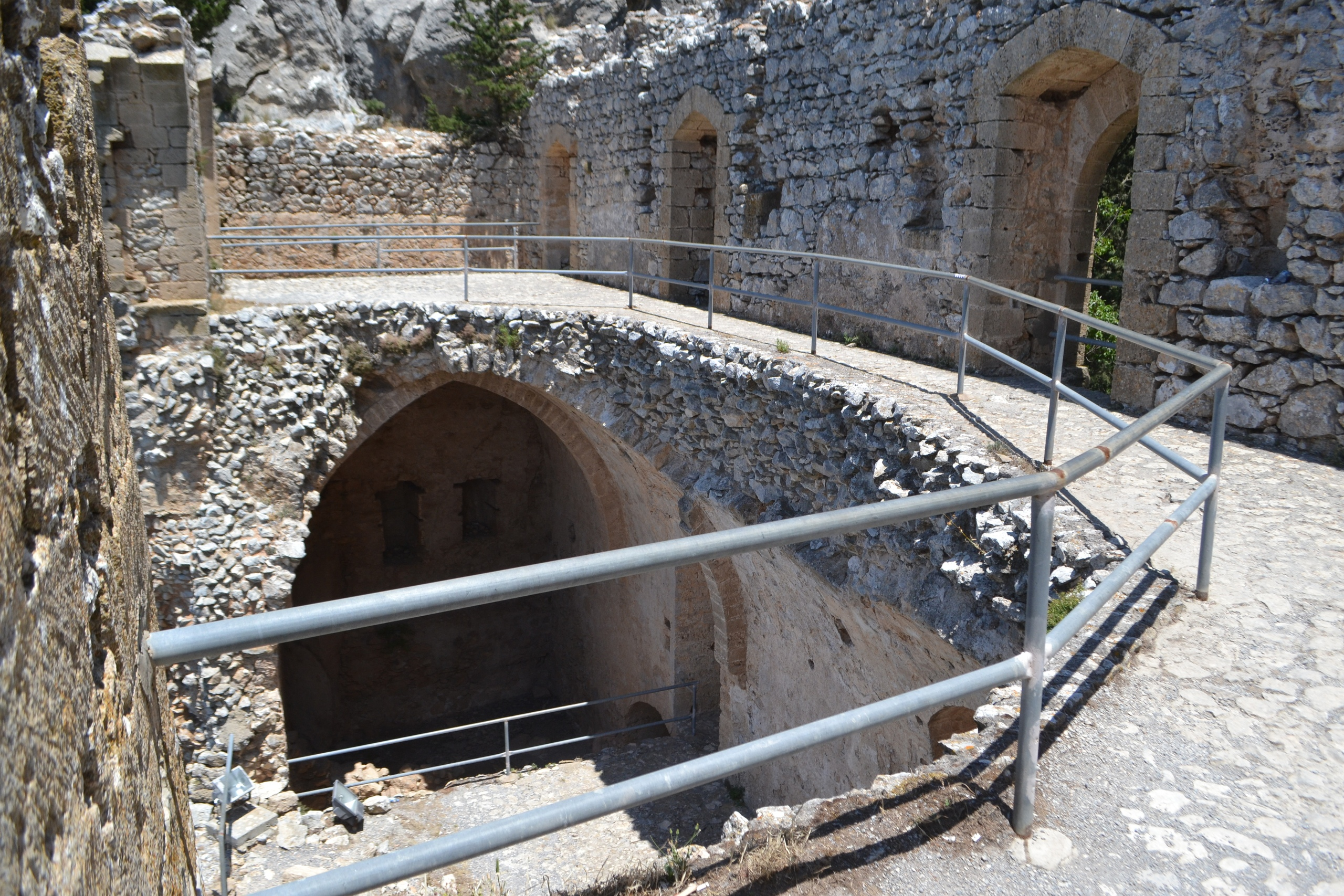 Северный Кипр. Замок Святого Иллариона. (фото). - Страница 3 RlLSH-8THgM