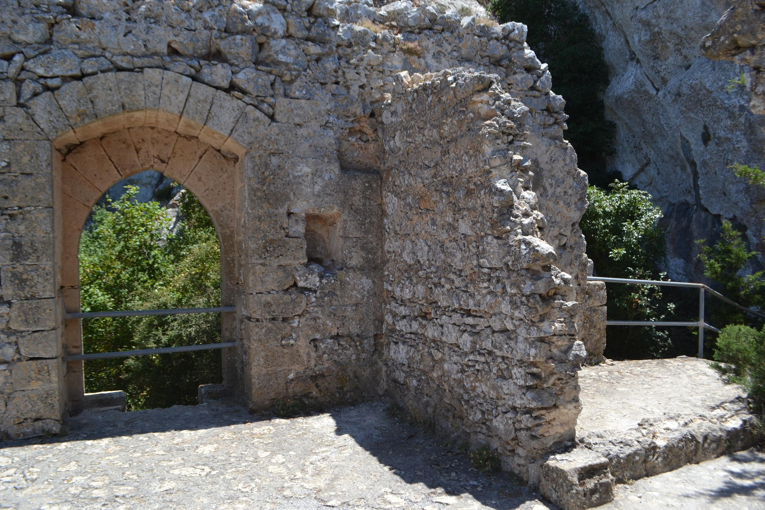 Северный Кипр. Замок Святого Иллариона. (фото). - Страница 3 4b6JNR1ZIXw