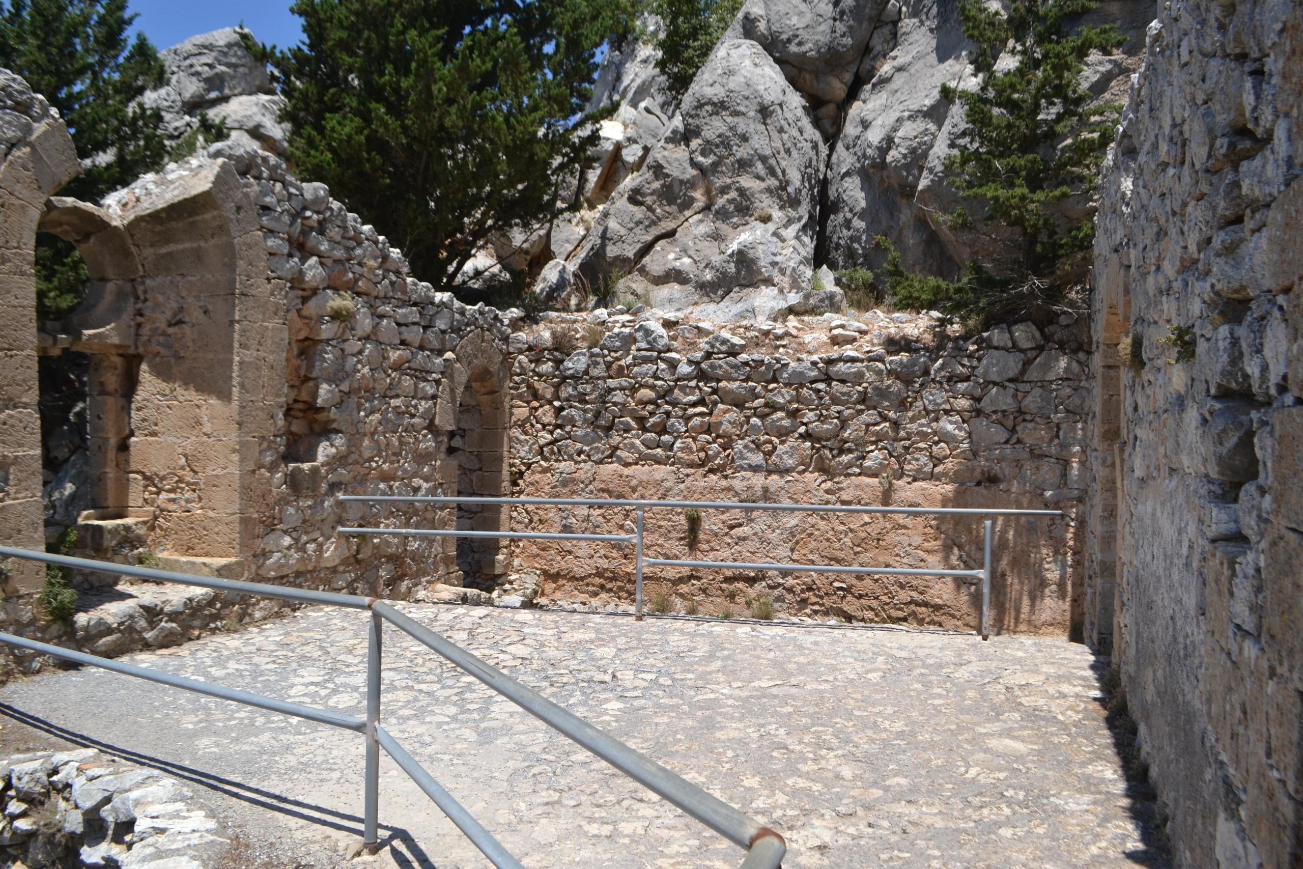 Северный Кипр. Замок Святого Иллариона. (фото). - Страница 3 DbvhIRn_rZc