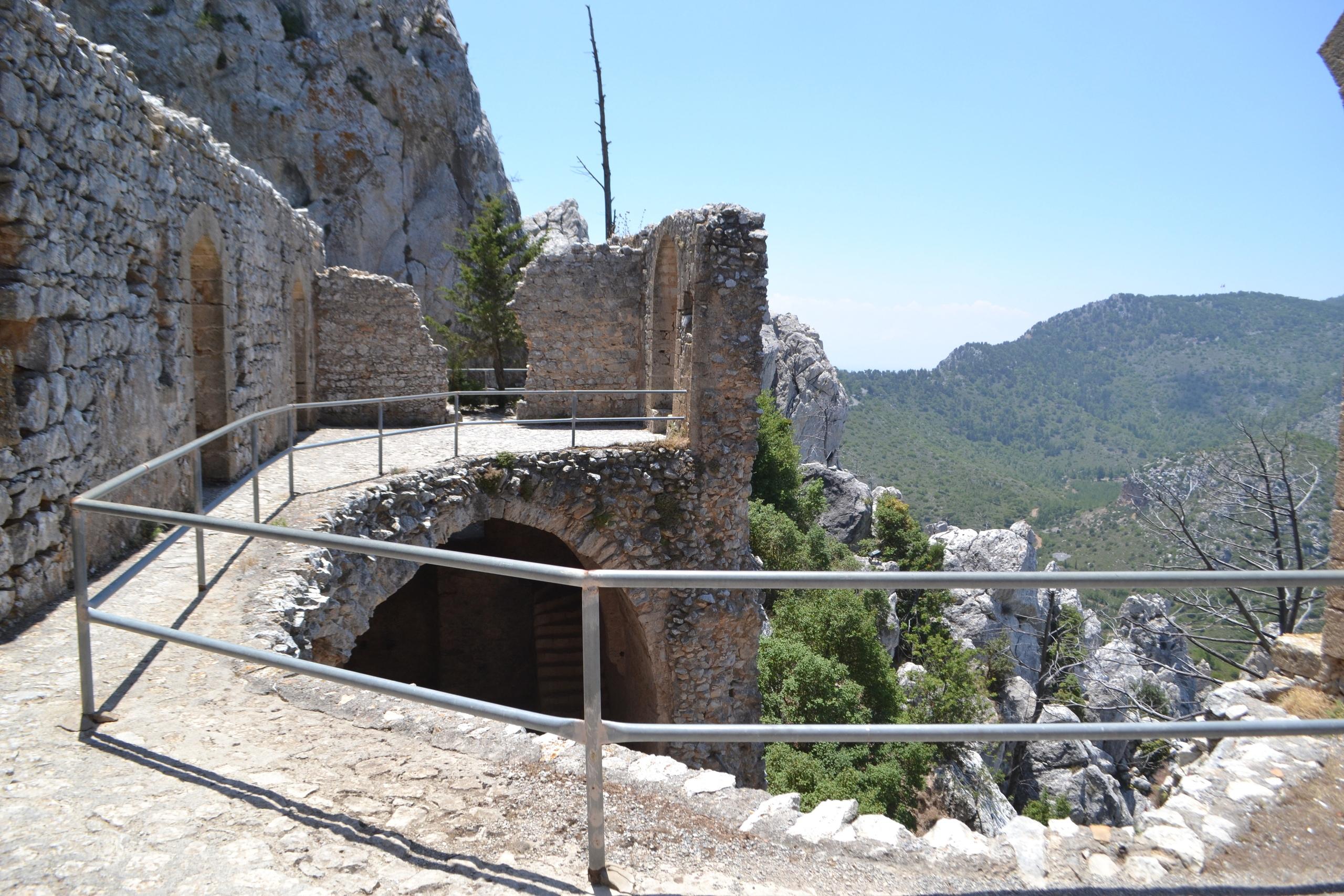 Северный Кипр. Замок Святого Иллариона. (фото). - Страница 3 X4mcmzyerYI