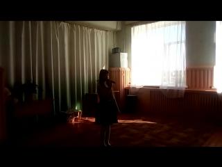 Ксюша Болдыжева с песней Дождик