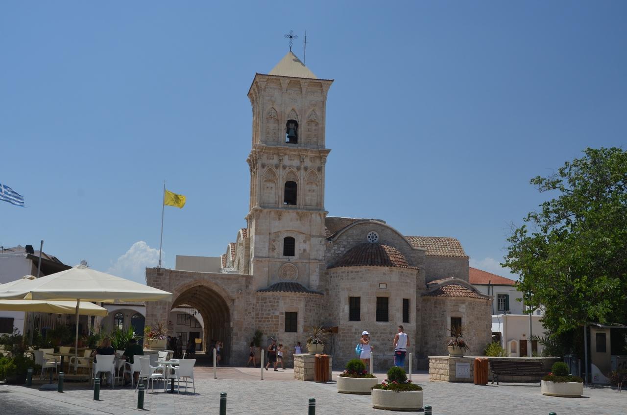 6zB1_TC1paY Ларнака - туристическая столица Кипра.
