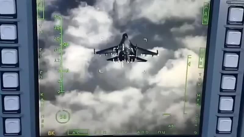Работа лазерно телевизионной системы наведения Су 34 в режиме автоматического сопровождения воздушной цели