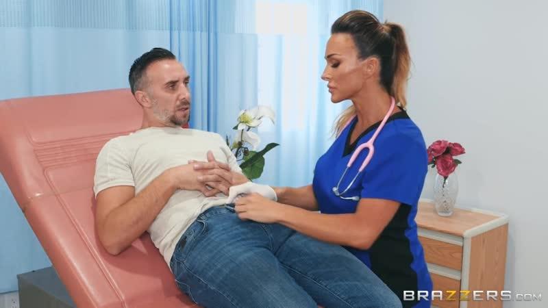 мамочка врач дрочит член.порно.milf.porn
