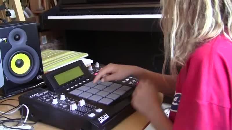 Диана (10 лет) показывает свои навыки MPC. У малышки явно есть свой стиль!