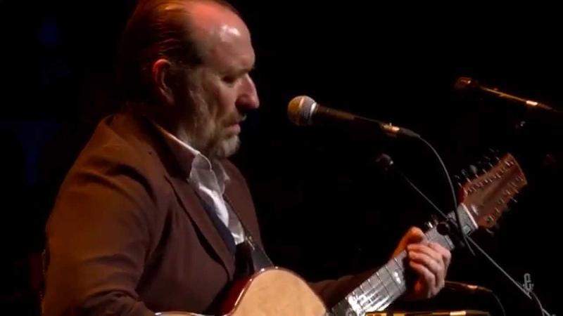 Colin Hay - Waiting In The Rain (eTown webisode 789 )