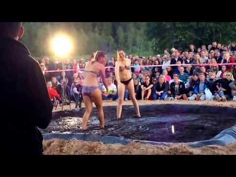Womens Mud Wrestling 2 Turkish HardyBoy