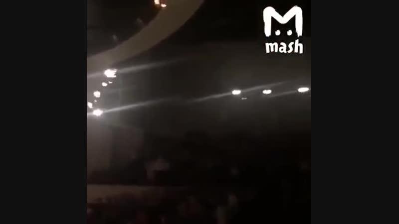Не выпускали людей из горящего здания