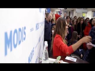 Анна Седокова на торжественном открытии магазина MODIS в ТРК К «АТМОСФЕРА» г. Санкт-Петербург