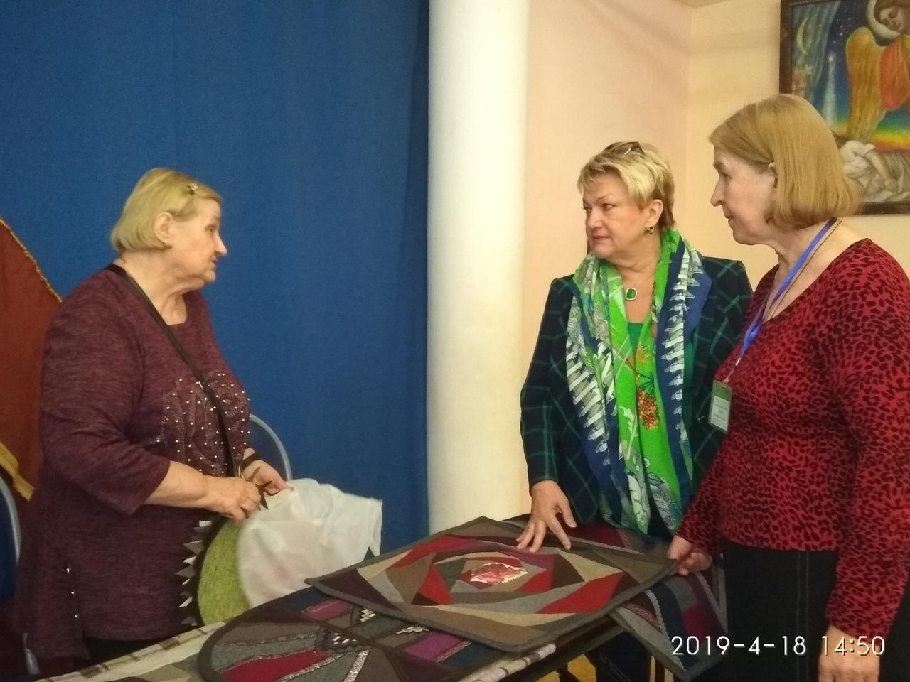 Заверяева Г.Г. (слева), Назарова И.А. и Лубенко Н.А. (справа)