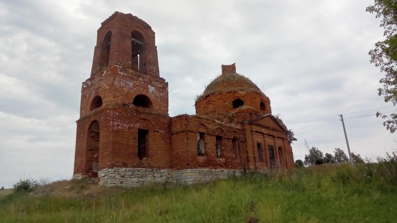 Заброшенный но не забытый Храм в с Драгуны