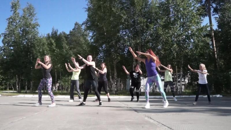 Zumba fitness® zin Viki. Abraham Mateo, J.Lo., Yandel - Se Acabo El Amor