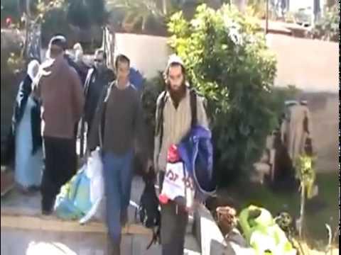 La Colonisation des Maisons Palestiniennes par la Force.mp4