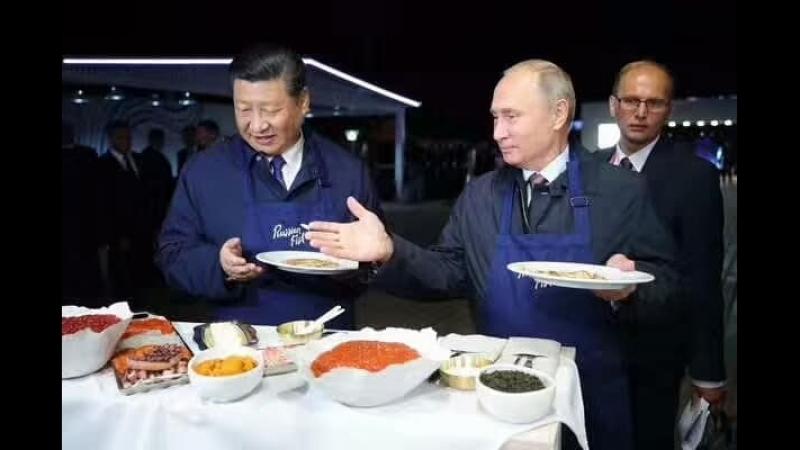 俄罗斯总统陪同习近平主席制作俄罗斯薄饼