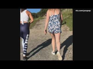 149_Хочу секса_Девушка в спортивных лосинах и её попка Yoga pants ass_Rotated22431
