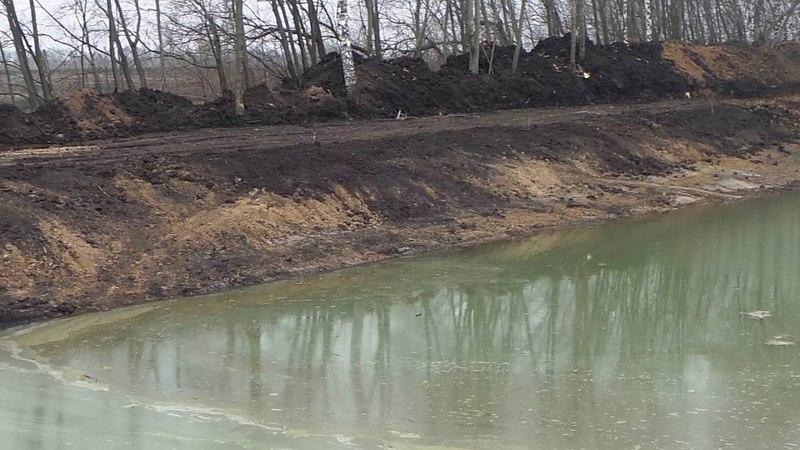 Завершающая стадия строительства пруда. УМС 22