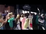 200518 Таня Буланова ловит букет невесты