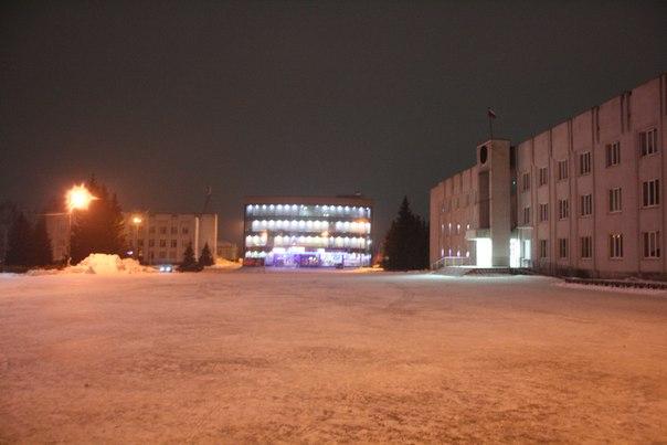ТЦ «Шахунский» — основной торговый центр и символ нового поколения Шахуньи. Уже никто не вспомнит про кинотеатр и ремонт телевизоров.  2 января 2018 года.