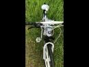 Велосипед на литых дисках BMW.