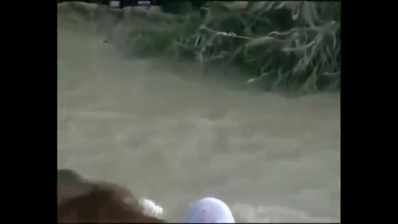Воды реки Иордан поворачивают