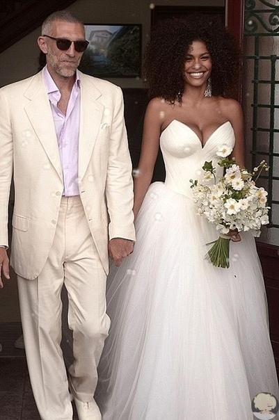 По информации издания Just Jared, 52-летнийВенсан Кассельи егосупруга21-летняя Тина Кунаки в скором времени станут родителями.