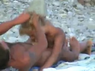 Секс на нудистком пляже в Лазоревском онлайн!