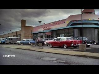 У дилерского центра Cadillac, 1950-е