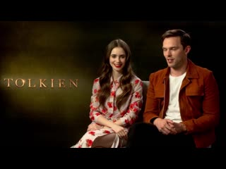 Пятая серия alex horne (taskmaster), stars of tolkien nicholas hoult and lily collins, and there is live music from hannah grace