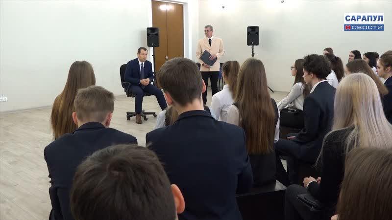 Александр Ессен в проекте 100 вопросов взрослому