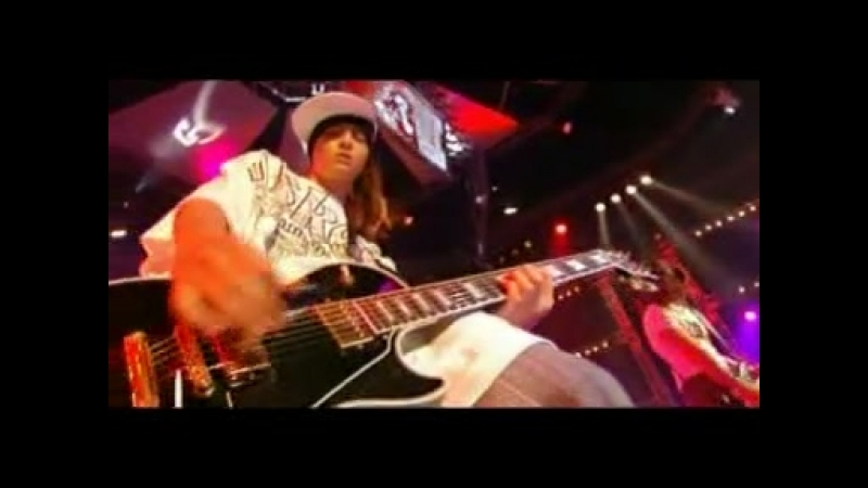 Tokio Hotel throught the monsoon