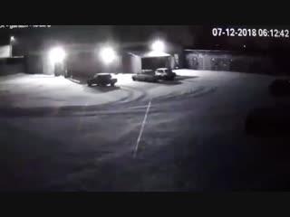 Взрыв произошел в одном из гаражных боксов в Балаково