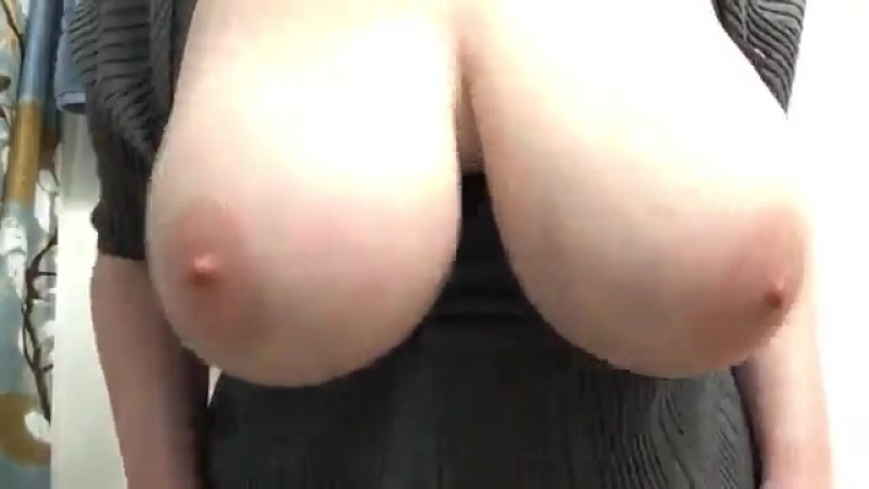 Показала сиськи 36 сиськи стриптиз красиваядевушка секс телка классная грудь boobs tits busty sex большиесиськи ass