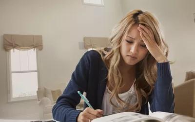 Симптомы отмены габапентина могут включать бессонницу, отскок боли и симптомы гриппа.