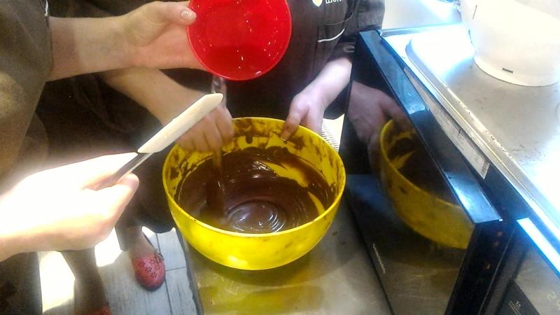 Упс!! Разогрели шоколад до 90 градусов И как теперь его спасти