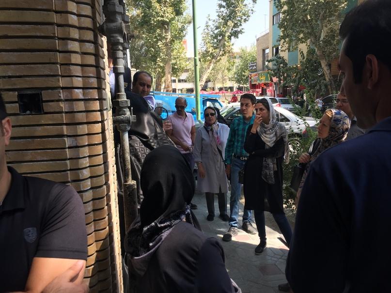 Путешествие в иран часть 9. Очередь в ресторан Shahrzad