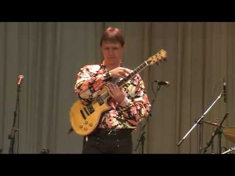 Vitaly Makukin Ukrainian Pot Pourri Виталий Макукин Украинское попури guitar tapping