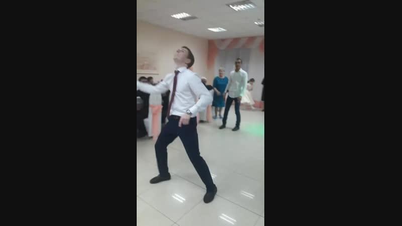 Танцевальный батл!)